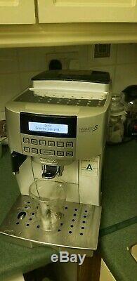DELONGHI De'Longhi Magnifica S ECAM 22.360. S Bean to Cup Coffee Machine Silver