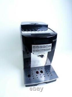 DeLonghi ECAM22.360B Magnifica Bean to Cup Coffee Machine 1450 Watt 15 bar