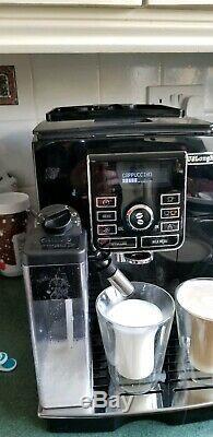 De'Longhi ECAM25.462 b Bean to Cup Coffee Machine cappuccino latte slightly used