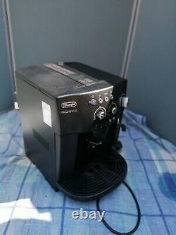 De'Longhi Magnifica ESAM 4000 Bean-to-Cup Coffee Machine