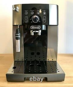 De Longhi Magnifica S Smart ECAM 250.33. TB Bean to Cup Coffee Machine