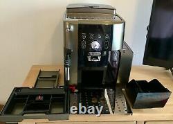 De Longhi Magnifica S Smart ECAM 250.33. TB Bean to Cup Coffee Machine, VGC