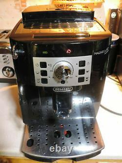 Delonghi Magnifica S Ecam 22.110. B Coffee Machine bean2Cup ELEGANT RRP £590